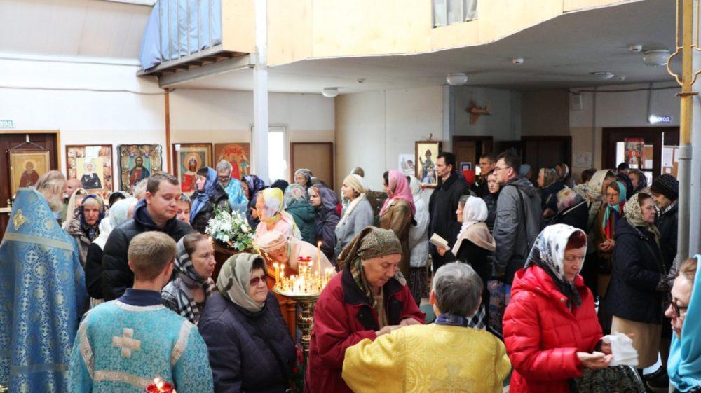 Празднование Покрова Божией Матери в храме св. ап. Иоанна Богослова на Сиреневом бульваре